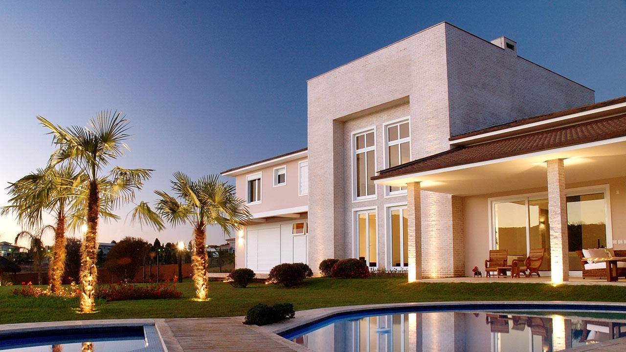 Luxury & Spacious Villa